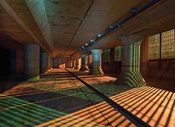 Длину залов больше сотни метров и ширину около пятидесяти